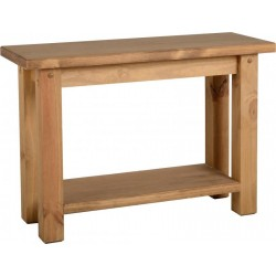 Aria Dresser